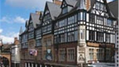 Grosvenor 'best place to stay in UK'