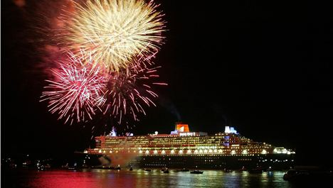 Queen Elizabeth AND Queen Mary Sail Into Mersey