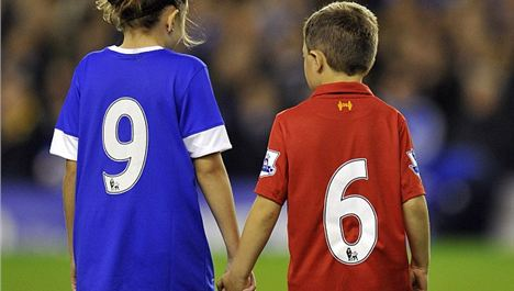 Everton remembers the Hillsborough 96