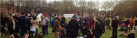 Crowds brave cold for Easter Monday picnic at the Meadowlands