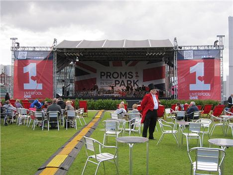 800Px-Proms_In_The_Park,_Chavasse_Park,_Liverpool_%281%29