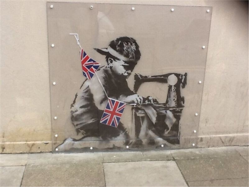 Farewell to the world 39 s biggest banksy culture for Banksy rat mural