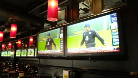 Carragher kicks out plasma TVs for cocktails