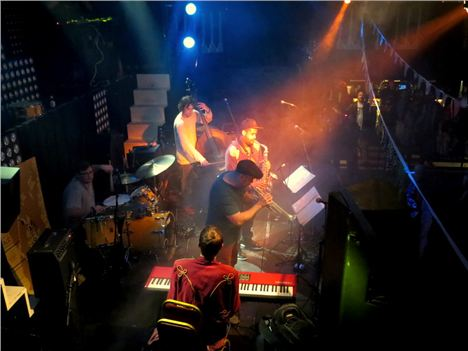 Mello Mello Closes %289%29