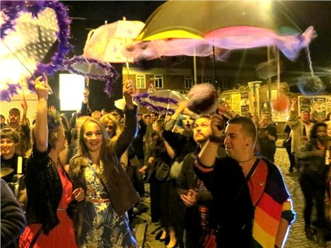 Mello Mello Closes %283%29
