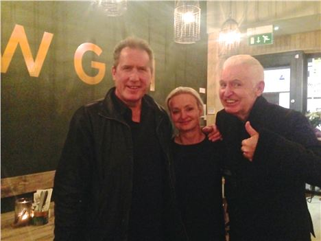 Andy Mccluskey, Rowena And Mike Mccartney Give Mowgliu The Thumbs Up